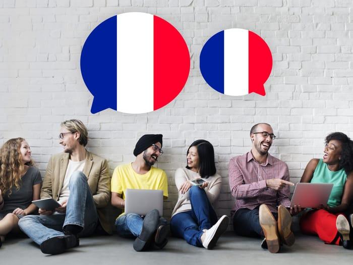 Pessoas aprendendo francês