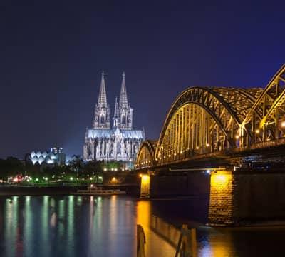 Кёльнский собор - место, которое вы можете посетить, пройдя уроки немецкого языка от Mondly