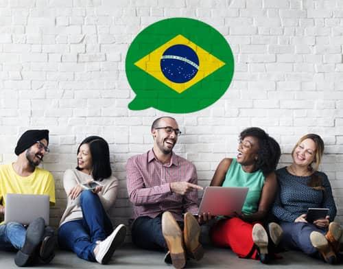 Imagen que muestra a personas tomando una clase de portugués tras utilizar Mondly