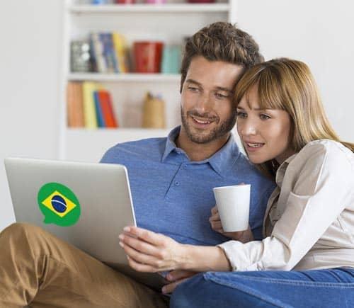Imagen que muestra a gente aprendiendo frases y oraciones comunes en portugués